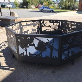 Welcome Fire Pit - Fox Panel