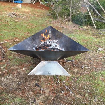 Modern Contemporary Triangle Fire Pit